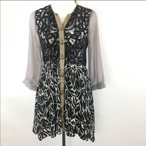 Gimmicks tunic jacket lace top